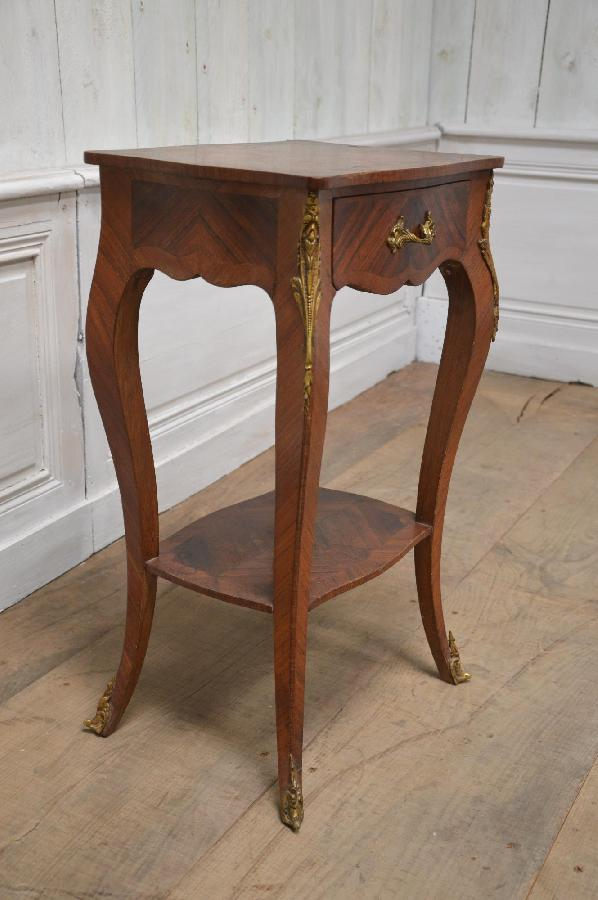 French antique exports boutique tables d 39 appoint - Restaurer etabli menuisier ...