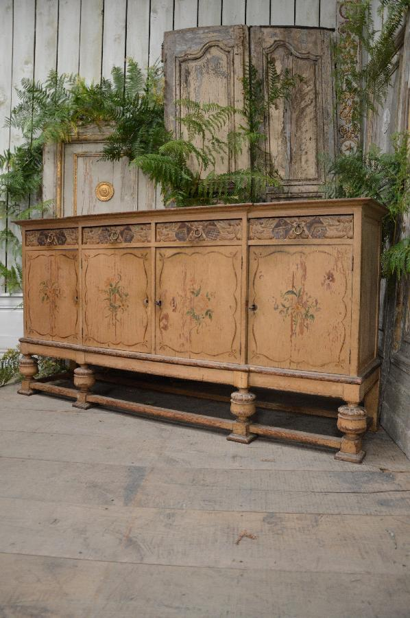 painted sideboard renaissance style with 4 doors FAE549