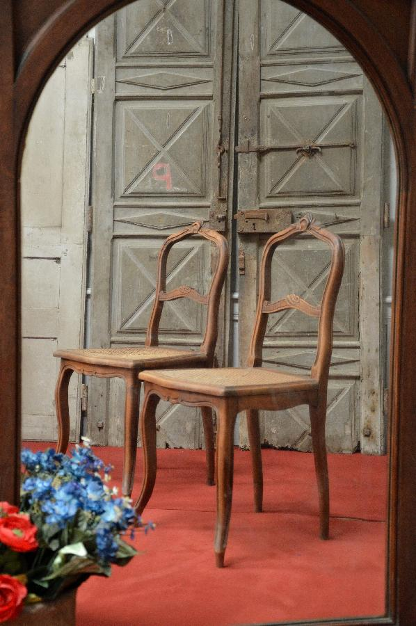 pair of chairs with caned seat FAE578