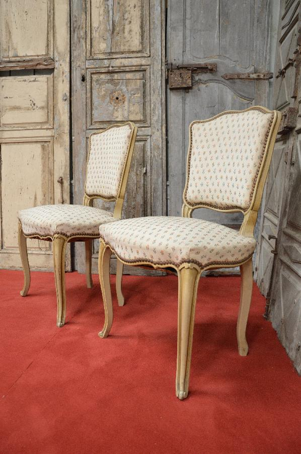 pair of painted chairs louis xv style FAE577