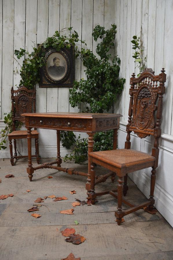 oak breton writing table with 2 chairs FAE496