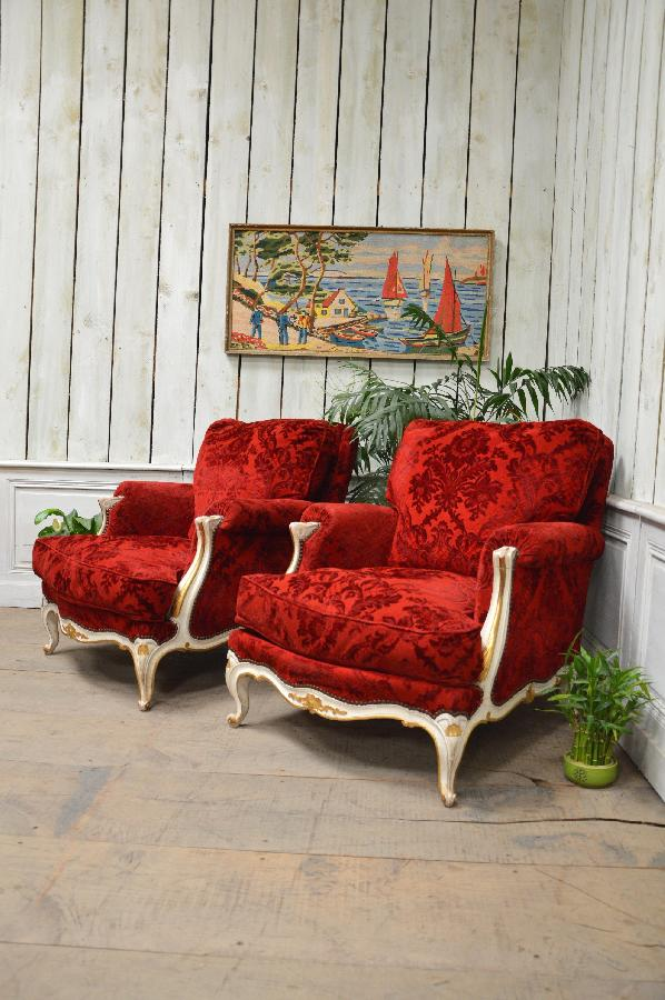 pair of red armchairs FAE381