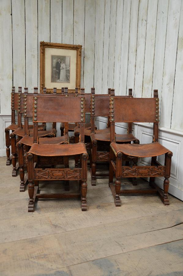 set of 8 oak and leather chairs spanish renaissance style FAE541